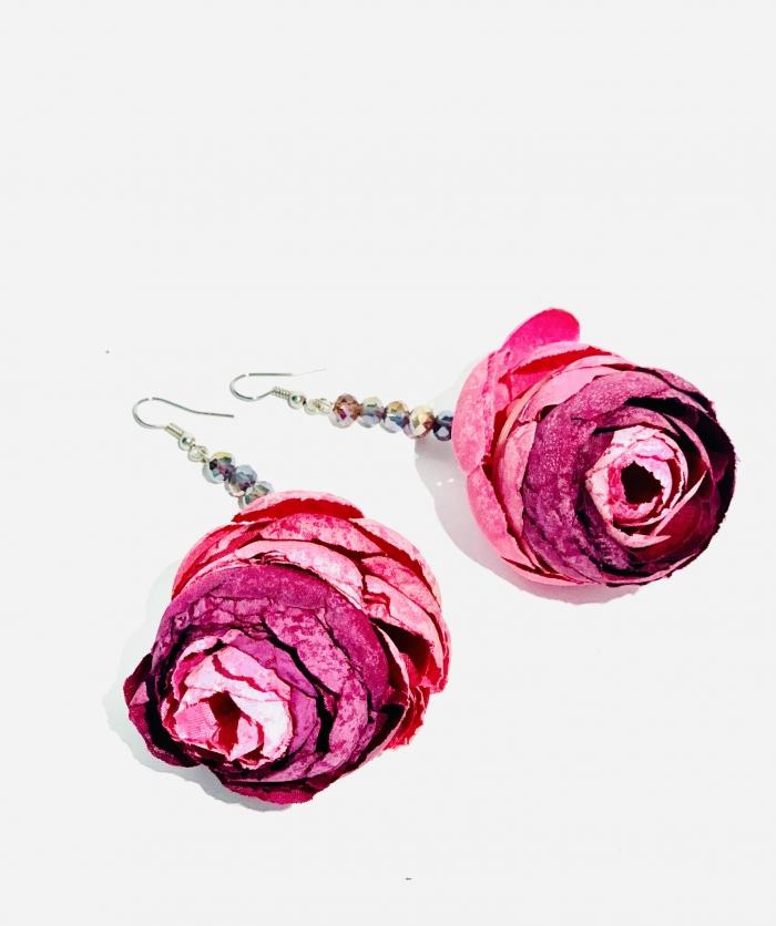 Дизайнерски обеци с цветя и кристали